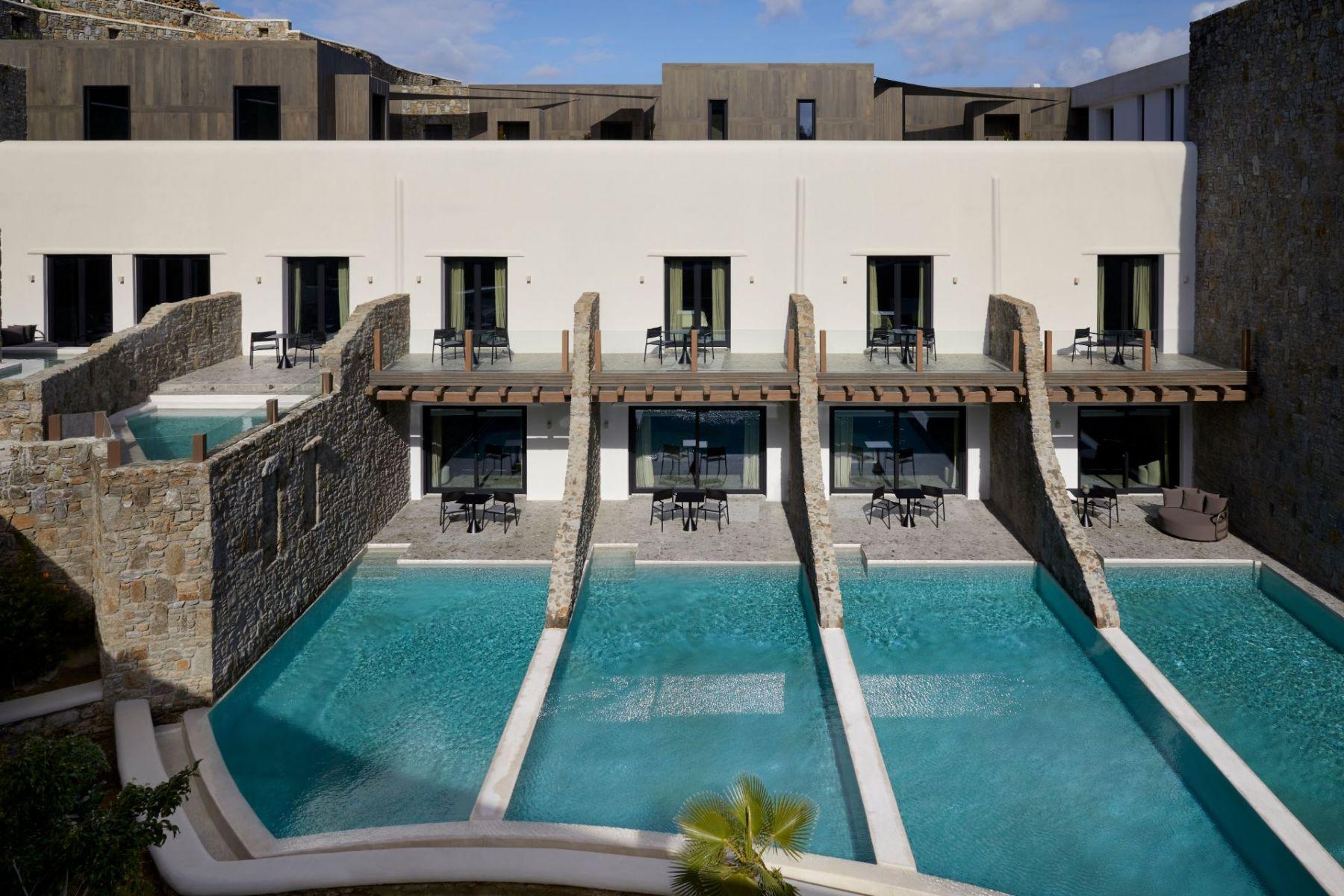19_Aeonic-Suites-Spa-Luxury-Hotel-Mykonos-110