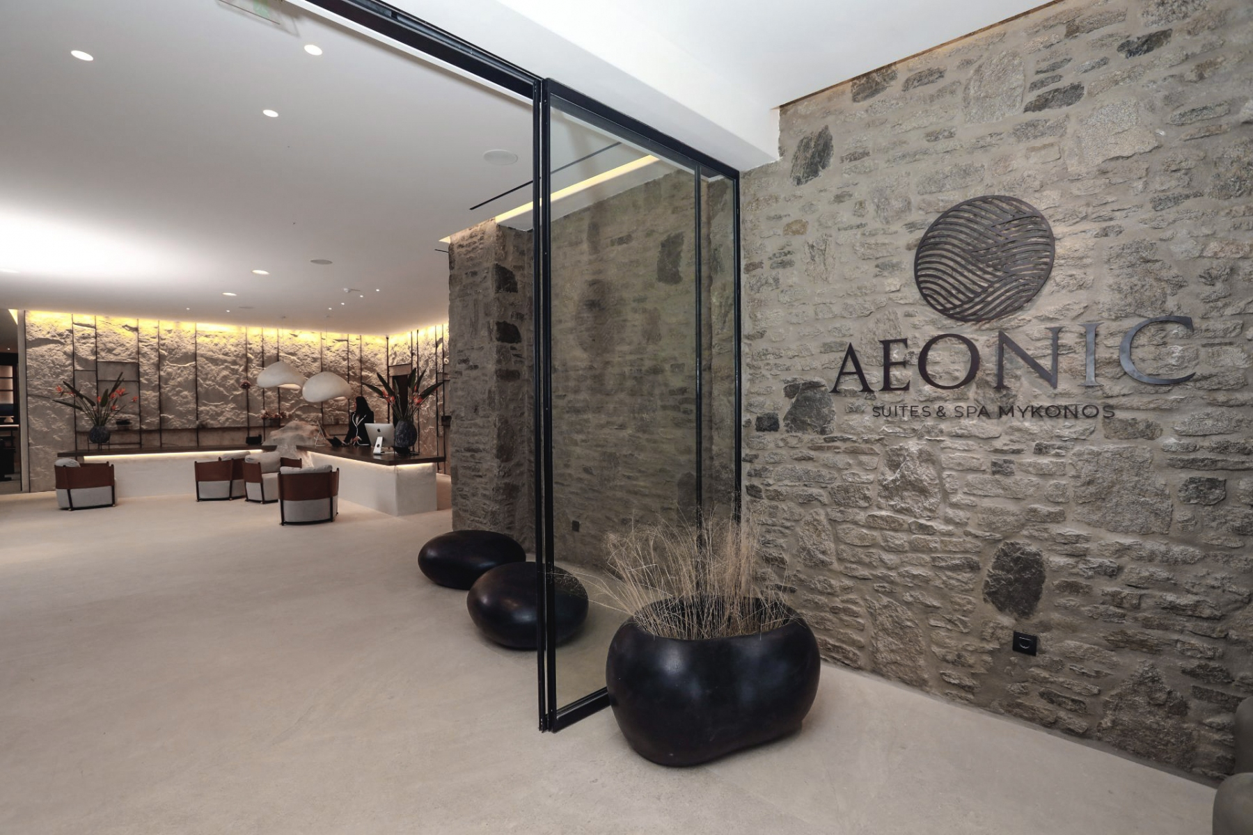 1_Hall-Aeonic-Suites-Spa-Interior-5