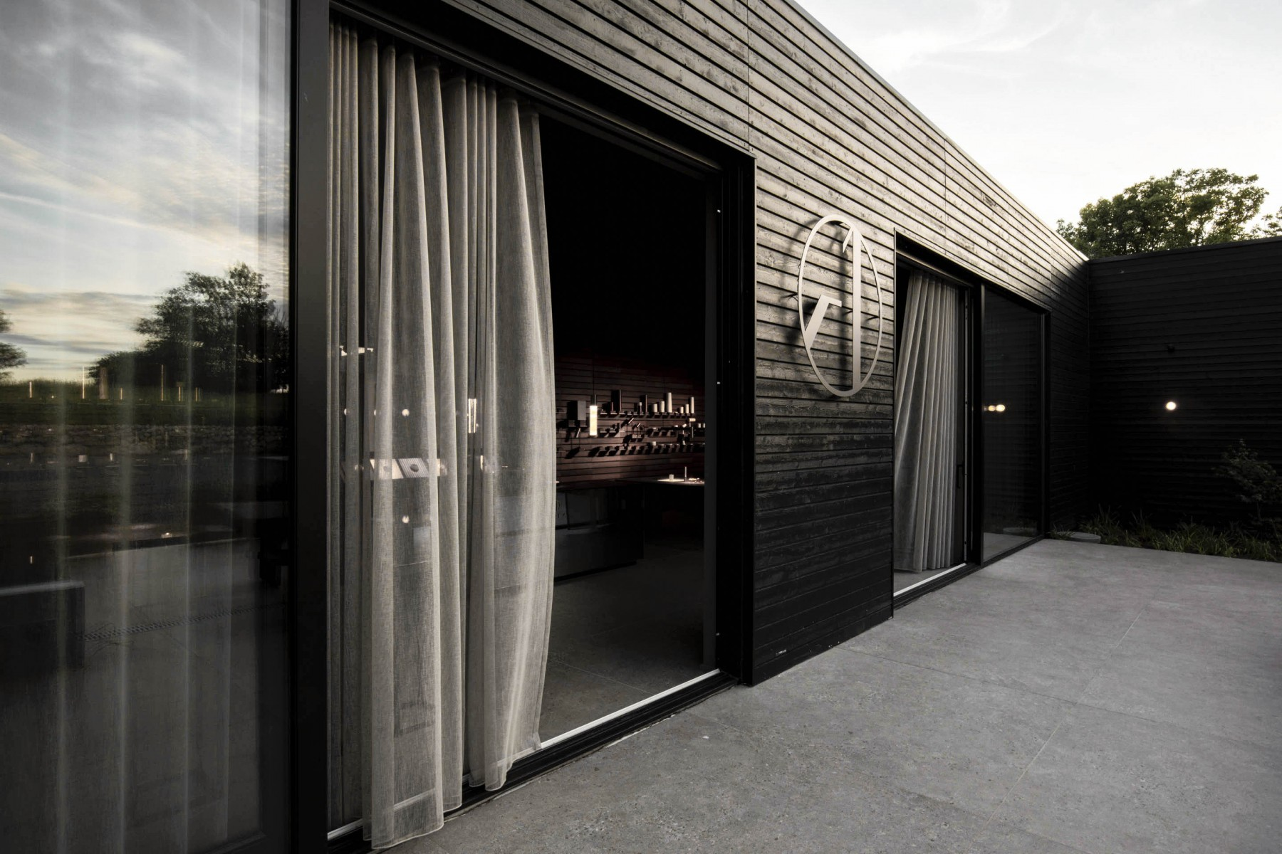 10-Inalco-MDi-One-A-Showroom
