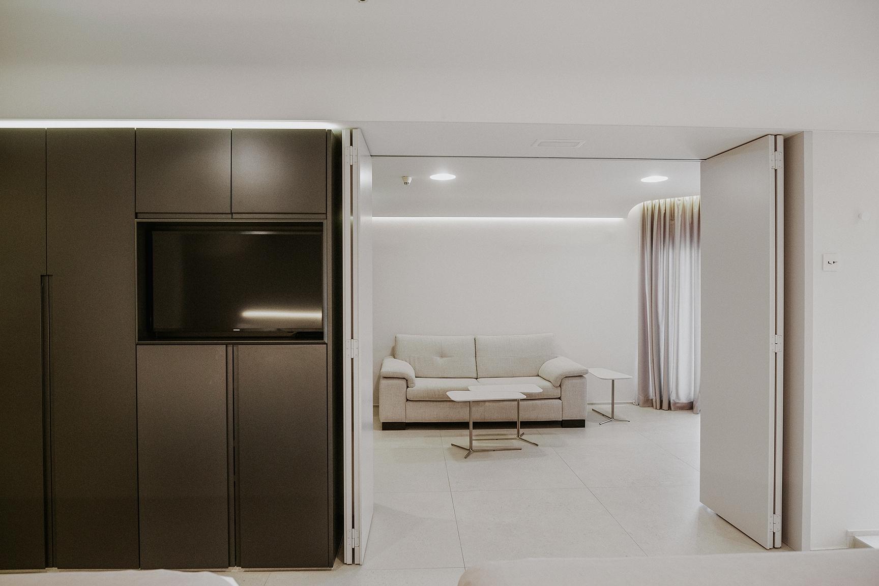 25-Suite-10101